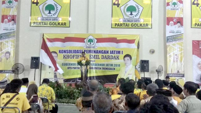 Suasana konsolidasi kemenangan Khofifah - Emil di Kantor DPC Partai Golkar Kabupaten Trenggalek