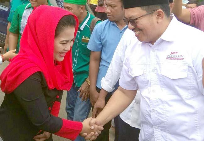 Puti Resmikan Posko Relawan Pemenangan di Situbondo