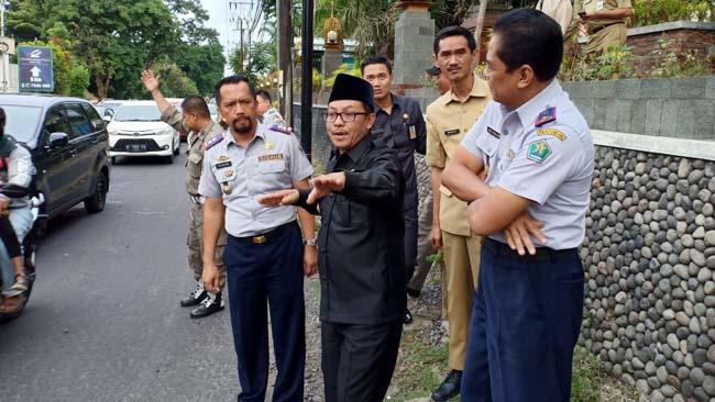 Cawali Kota Malang Sutiaji (man)