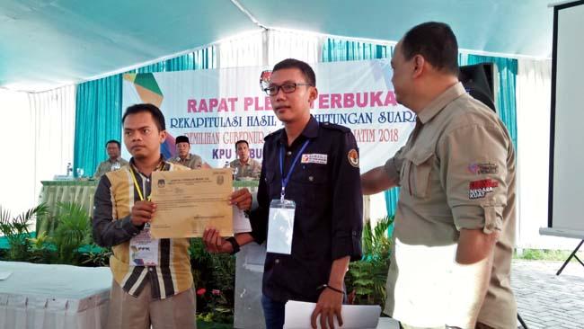 Saksi Paslon Cagub Jatim Nomer 2 Tolak Hasil Rekapitulasi KPU Lamongan