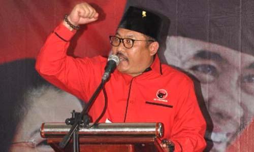 KEEMPAT KALI: Irwan Bachtiar Rahmat yang kini Wakil Bupati Bondowoso pimpin kembali Ketua DPC PDI-P Kota Tape lima tahun kedepan